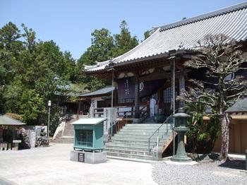 十楽寺本堂と太子堂.jpg