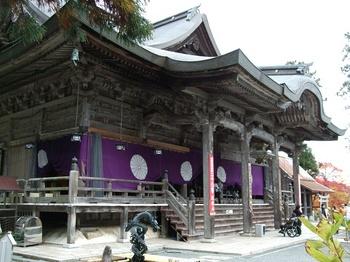 成相寺 本堂2.jpg